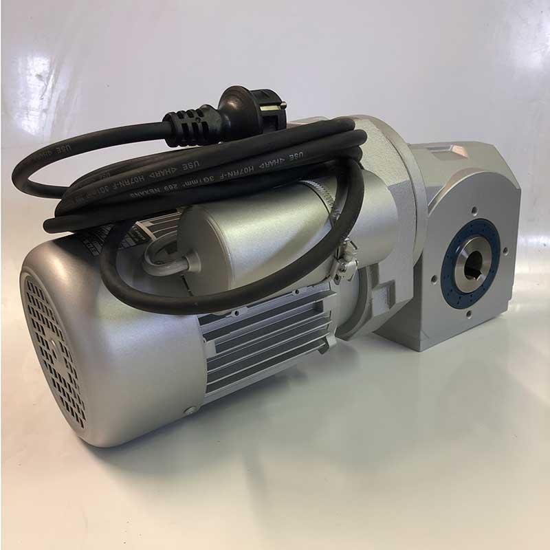 GetriebeMotor incl. Anlaufkondensator mit elektronischer Steuerung IMG 7695